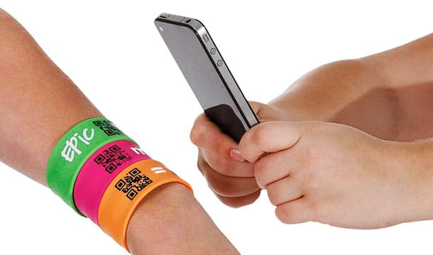 qr-code-bracelet